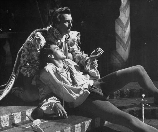 Terence Morgan as Laertes in Hamlet