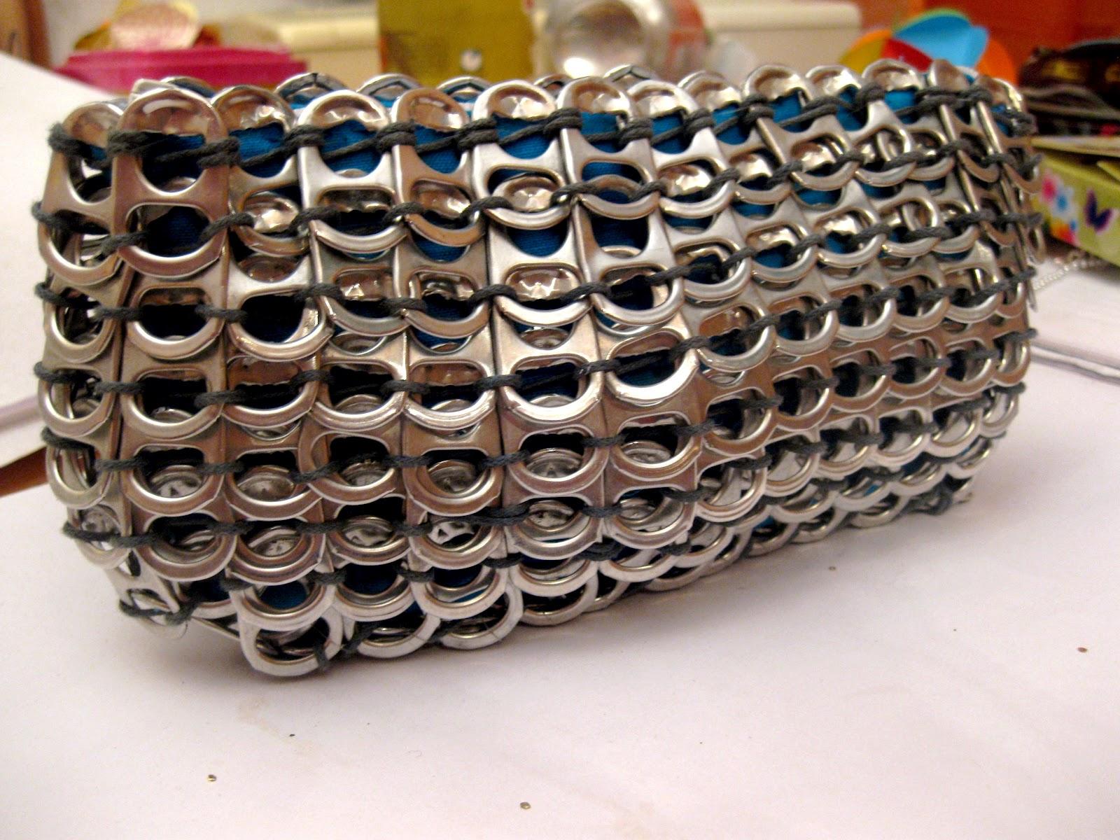 7c56d6e594b3f Ich finde es sieht super aus und nutze die Tasche nun für meine Stifte usw.  Vielleicht ist es ja eine Anregung für euch.
