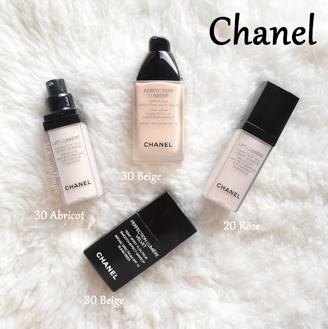 Chanel Perfection Lumiere Velvet Long Wear Foundation 30 Beige Swatch