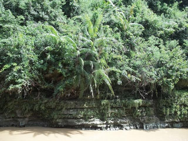 Wisata alam air terjun Sri Gethuk_Gunung Kidul