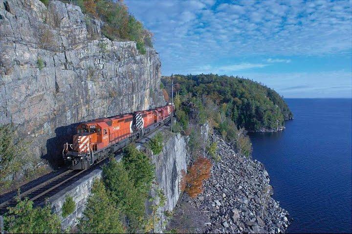 dağ manzaralı tren resimleri