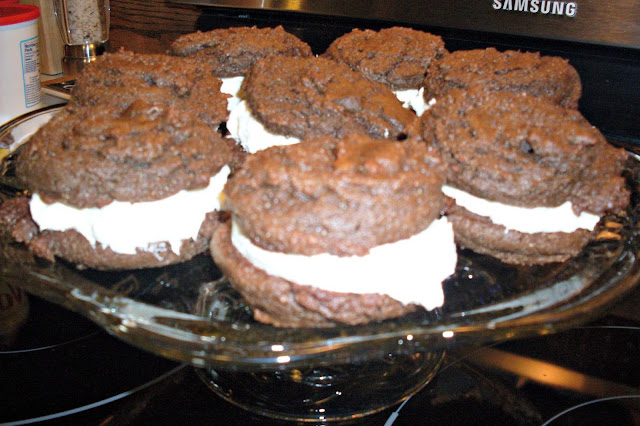 Wordless Wednesday. Recipe for Whoopie Pies!