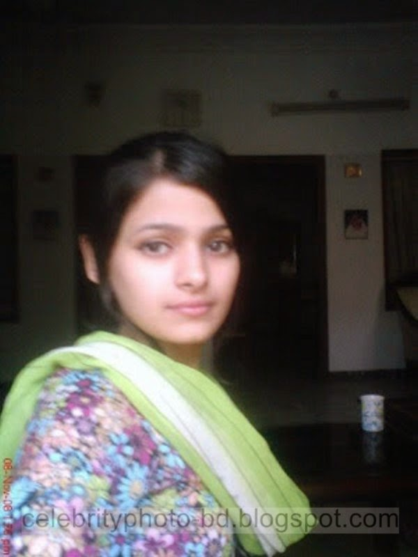 Real Pakistani Cute And Sexy Girl Maria's Hot Photos Gallery In Salowar And Tops