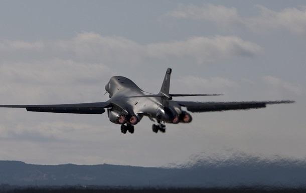 США перекинули в Європу четвертий бомбардувальник