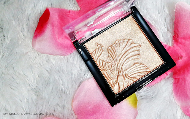 [REVIEW] WET N WILD MEGAGLO HIGHLIGHTING POWDER IN PRECIOUS PETALS
