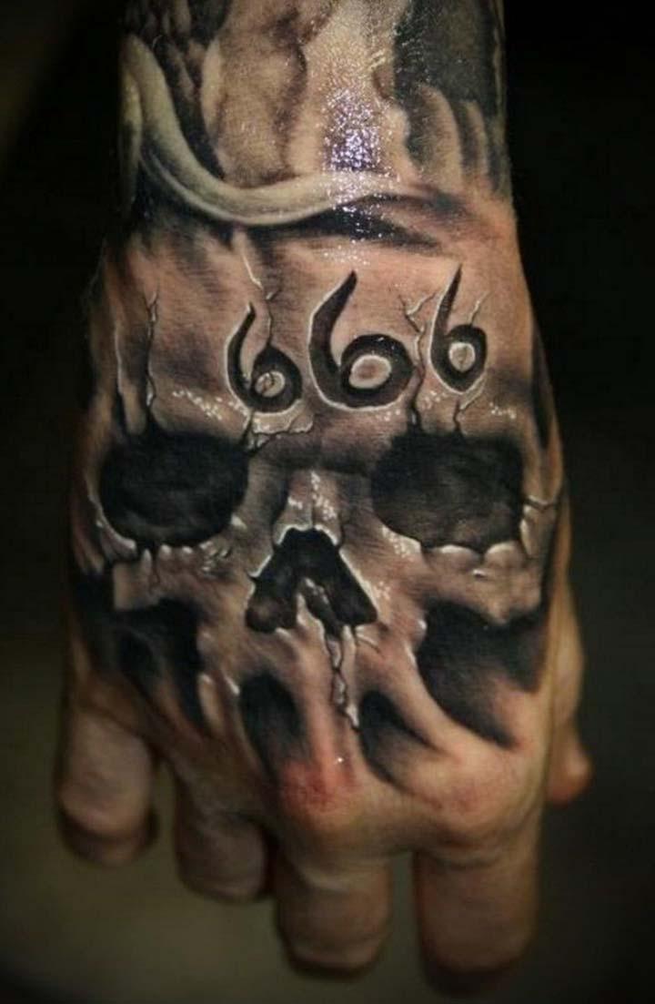 el üstünde dövme resimleri