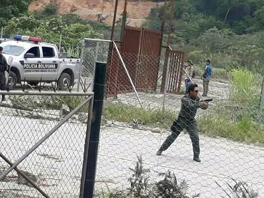 Adepcoca denuncia represión policial y pide renuncia del ministro Cocarico.