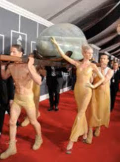 Lady Gaga egg hatching at the Grammys 2011