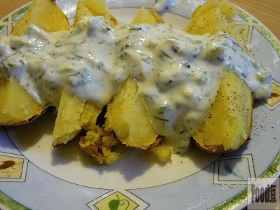 Cartofi copți cu sos tzaziki
