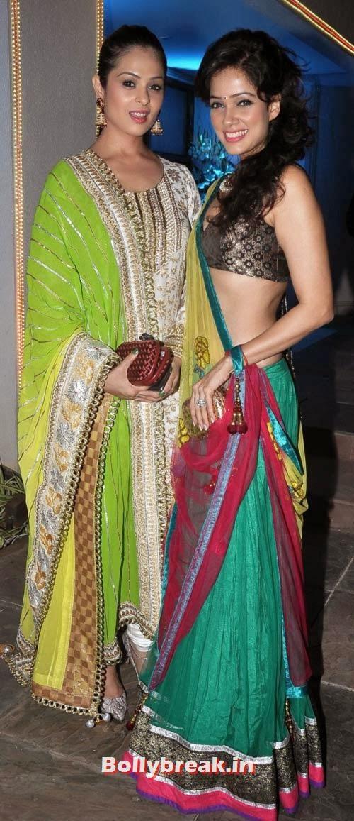 Anjana Sukhani and Vidya Malwade, Sachiin Joshi and Urvashi Sharma's Diwali Party