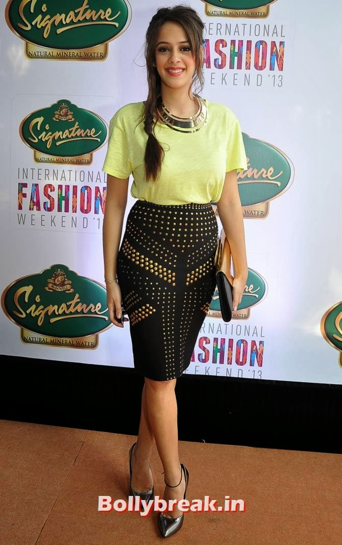 Hazel Keech, Bollywood Babes at Signature Fashion Weekend
