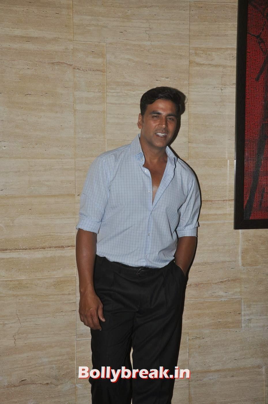 Akshay Kumar, Bollywood Stars Attend Asin's birthday bash