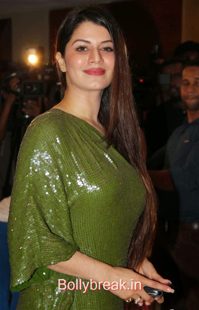 Kainaat Arora, Bollywood Babes at Grand Masti Success Party, Bollywood Babes at Grand Masti Success Party