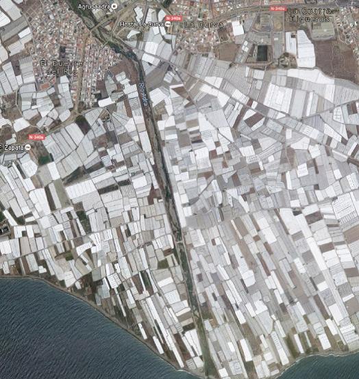 Colaboración de Agentes de Medio Ambiente para acabar con los vertidos ilegales agrícolas en el Río Adra
