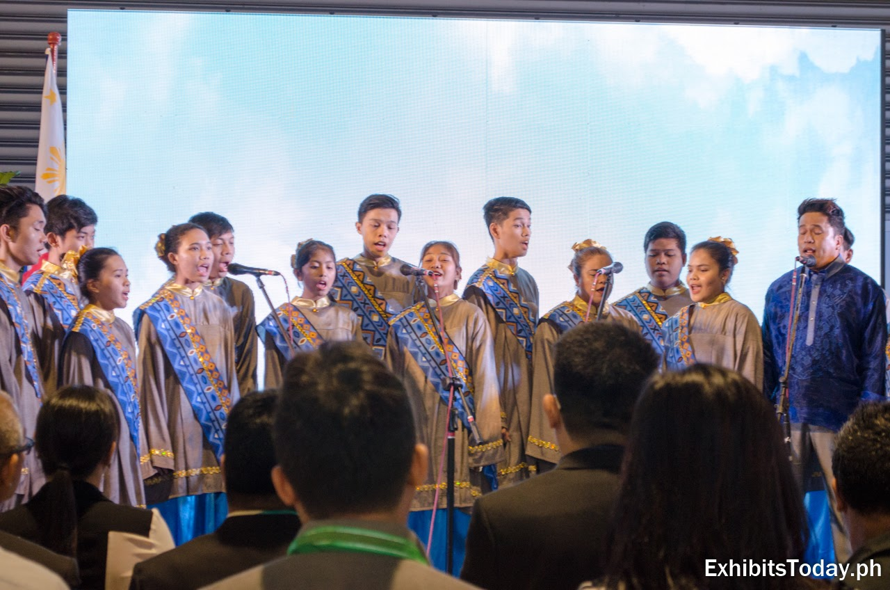Choir singing at the opening of IIEE 2017