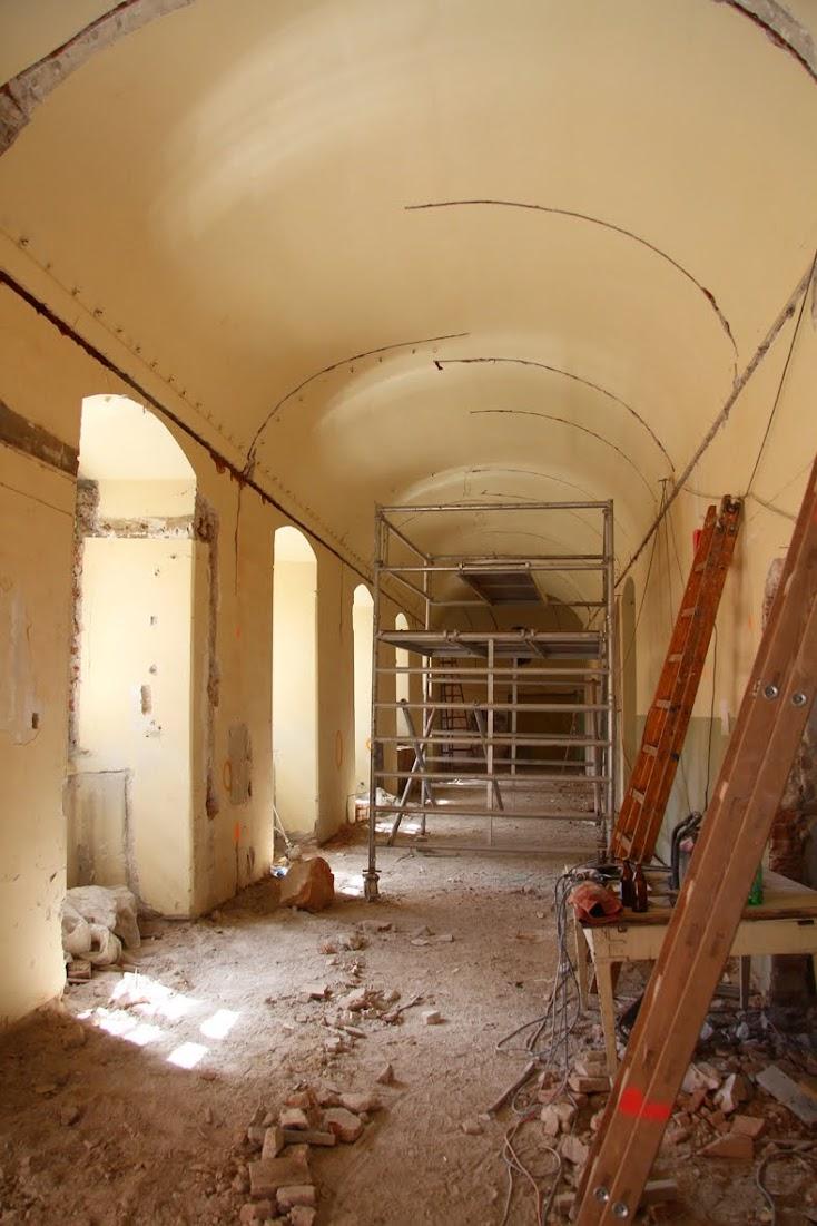 Remont obiektu poklasztornego i przygotowanie do pełnienia funkcji muzealnych. Zdjęcie jest własnością muzeum.