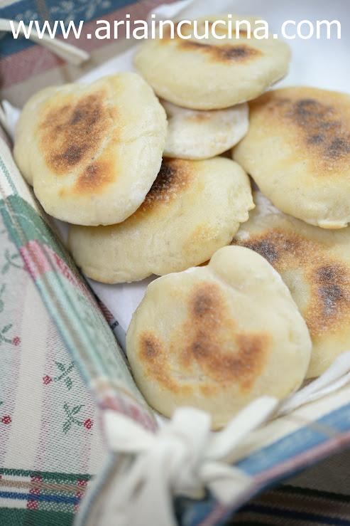 Blog di cucina di Aria: Panini in padella facili e veloci