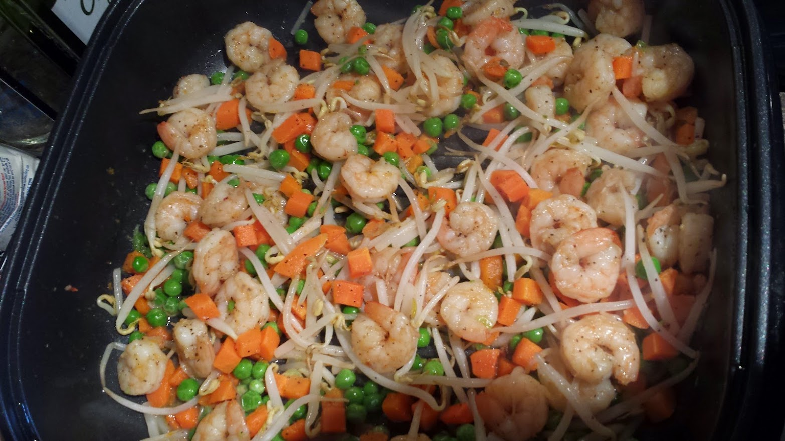 sauteed shrimp with vegetables scallions and bean sprouts