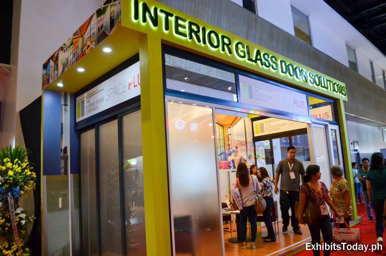 Interior Glass Door Solutions exhibit booth