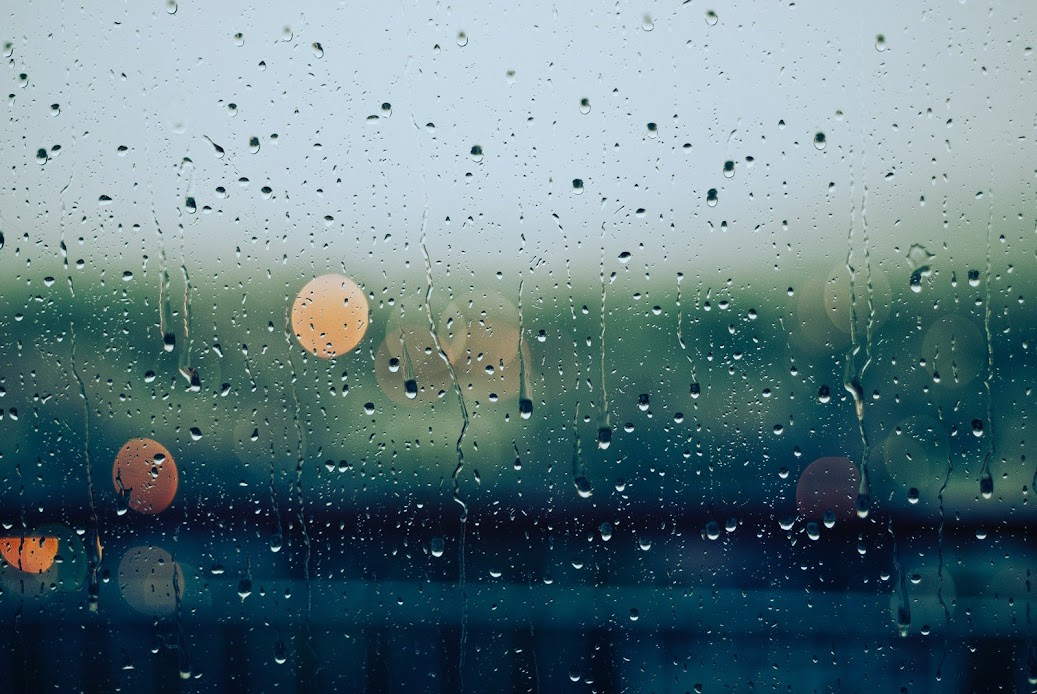 It's Raining | Photo by Gabriele Diwald via Unsplash.com