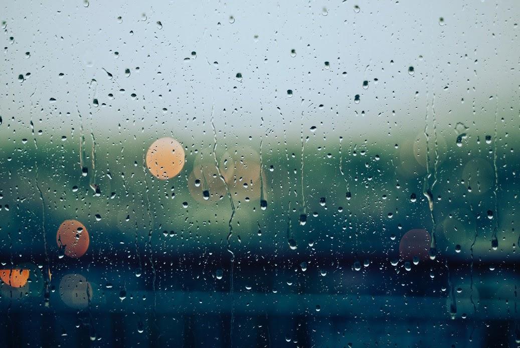 It's Raining | Photo by Gabriele Diwald via Unsplash.com