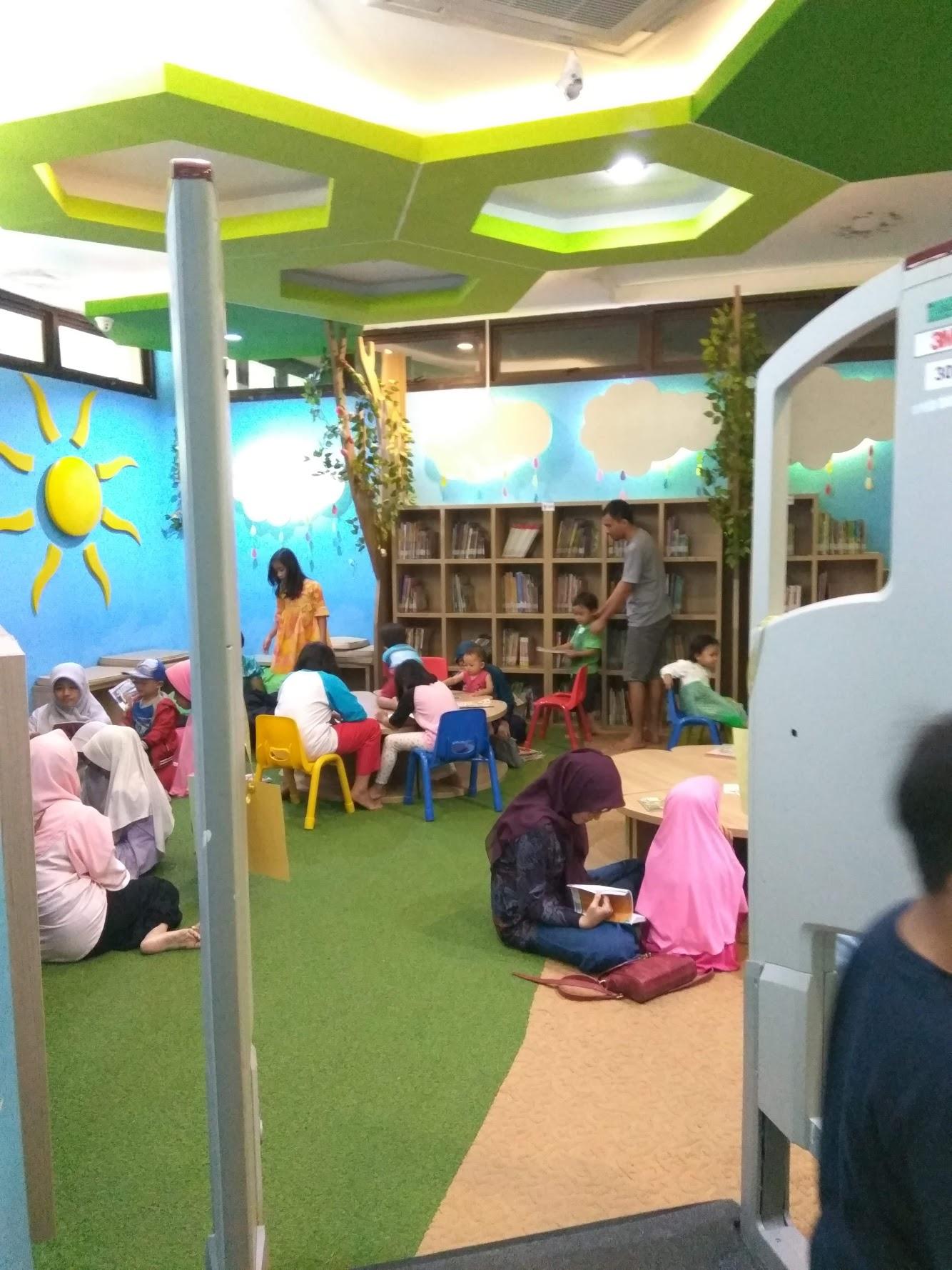 Ruang Koleksi Buku Anak