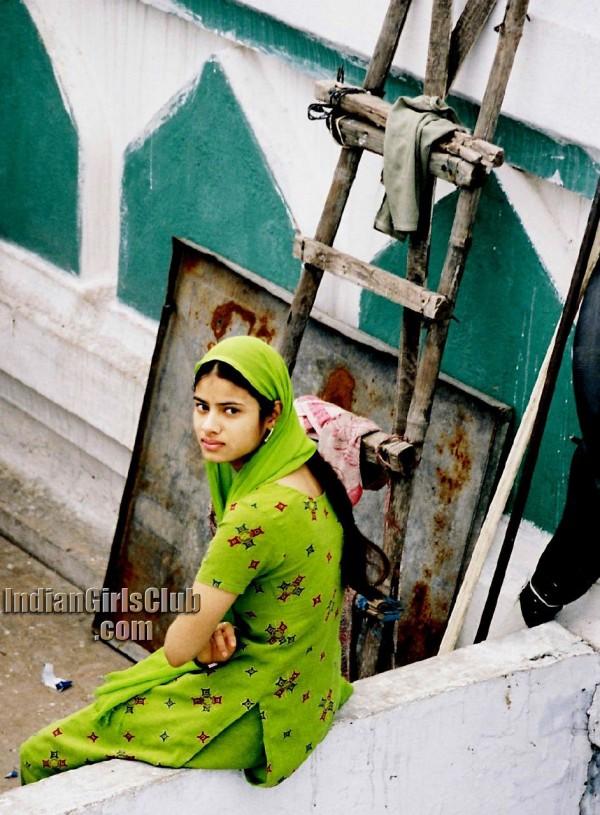 Hot Cinema Blog Beautiful Delhi Muslim Girl In Green Chudi-6731