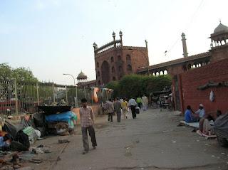 Miseria, mezquita Jama Masjid, Nueva Delhi, New Delhi, India, vuelta al mundo, round the world, La vuelta al mundo de Asun y Ricardo