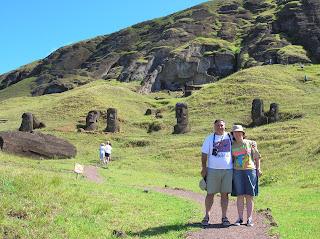 Cantera Rano Raraku, Isla de Pascua, Easter Island, vuelta al mundo, round the world, La vuelta al mundo de Asun y Ricardo