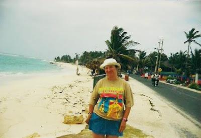 carretera circular de isla de san andres, colombia, caribe,San Andres Island, Colombia, Caribbean, vuelta al mundo, asun y ricardo, round the world