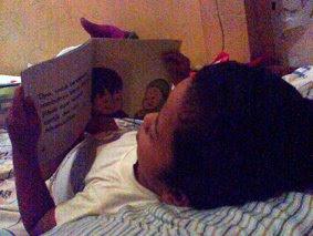 Keke Membaca Buku