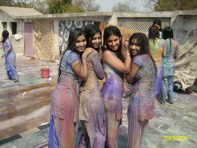 wet holi pictures