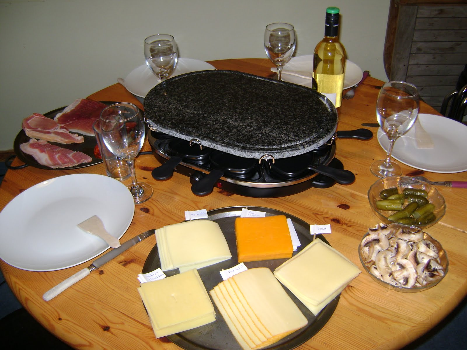 raclette fromage. Black Bedroom Furniture Sets. Home Design Ideas