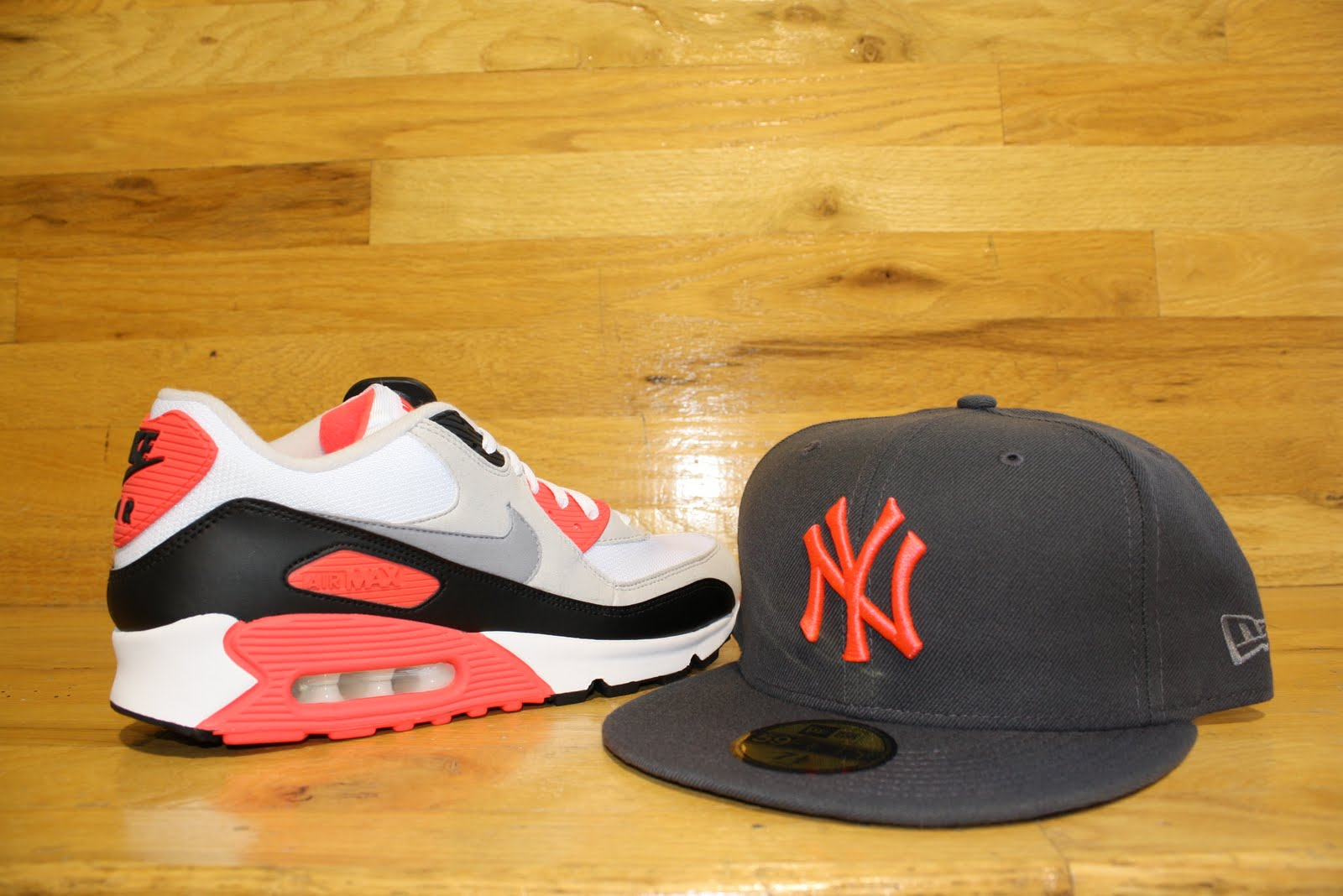 lowest price 9919b efe5e Review  Nike Air Max 90 GS - Infrared - YouTube