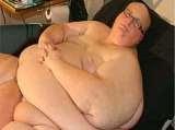 Pria Ini Sanggup Makan 24 Jam Nonstop !