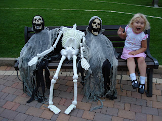 Top Ender sitting with two skeletons