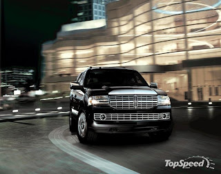 Lincoln Unveiled The 2009 Navigator A Suv That Comes With Improved Fuel Economy An Epa Estimated 14 Mpg City And 20 Highway On 4x2 Models