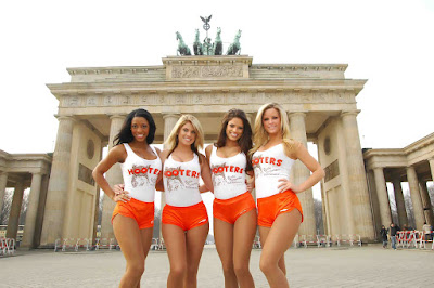 Hooters München