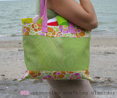 Plastic vinyl mesh makes a great fabric for beach bags and its easy to sew. Free sewing pattern provided.