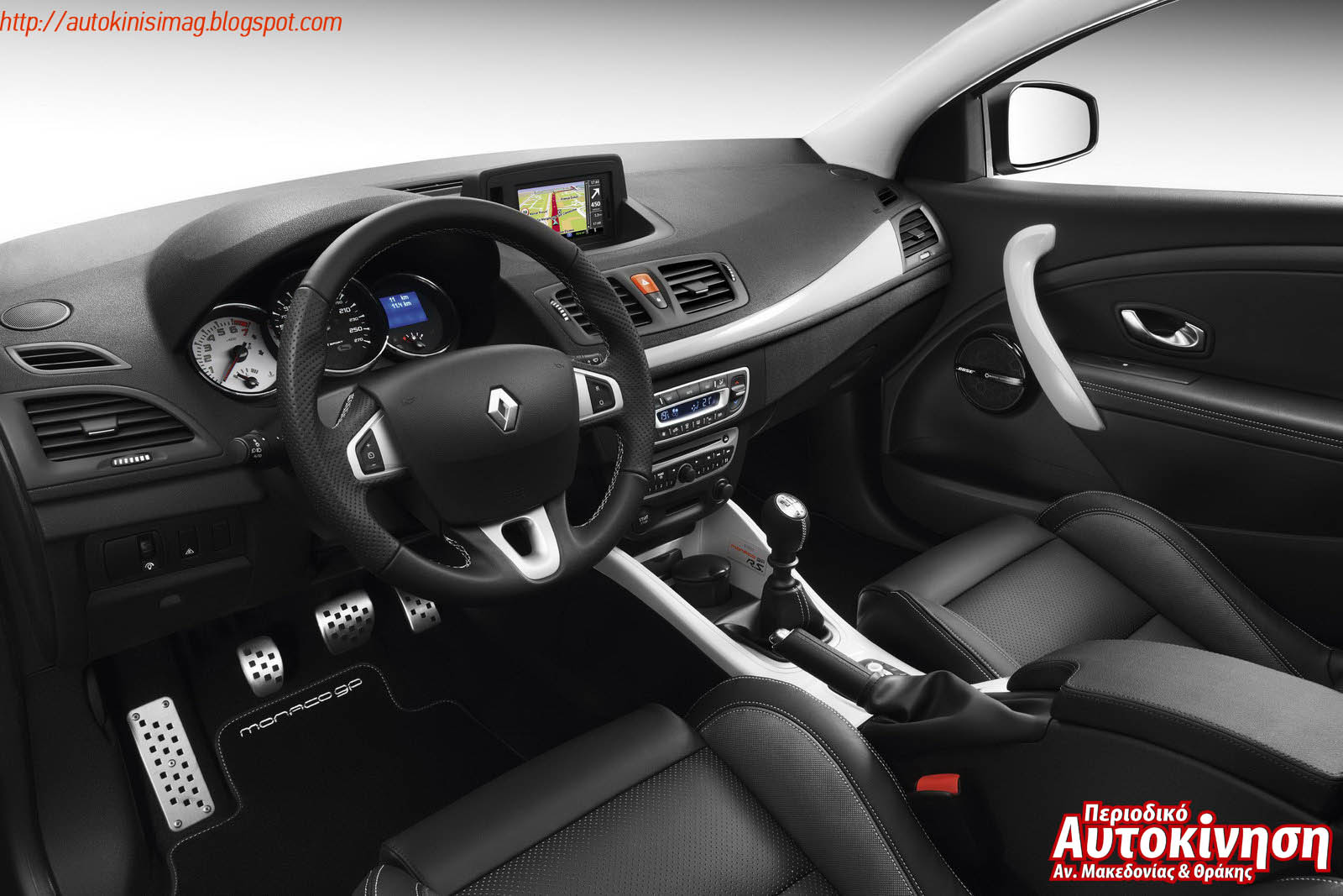 renault megane coupe monaco gp autokinisimag. Black Bedroom Furniture Sets. Home Design Ideas
