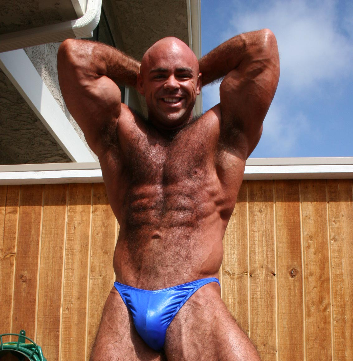 muscle-worship: TOMAS BURES