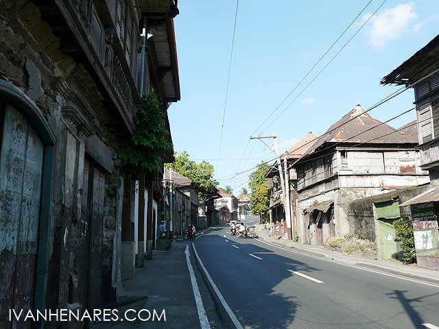Taal is a historical town, akin to the main avenues of Ilocos although less wealthy