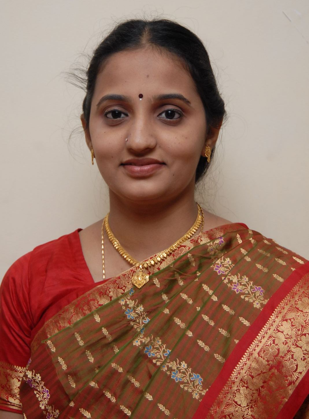 Beautiful Indian Girls: Sundari: Indian Beautiful Womens Page 7