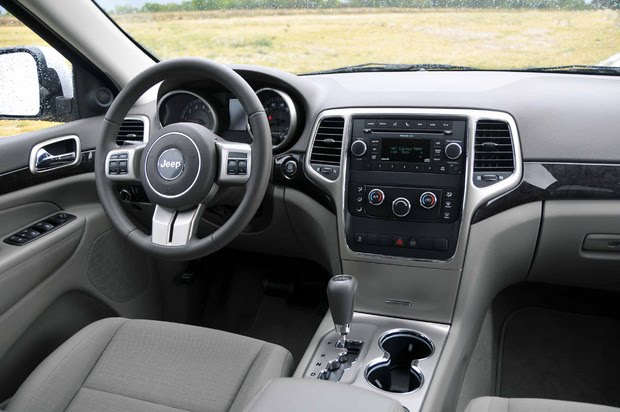 Car Pictures And News 2011 Jeep Grand Cherokee Laredo 4 2