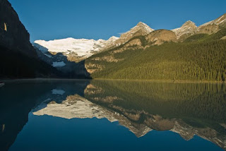 Lake Louise – Alberta photo-feature with slide show.