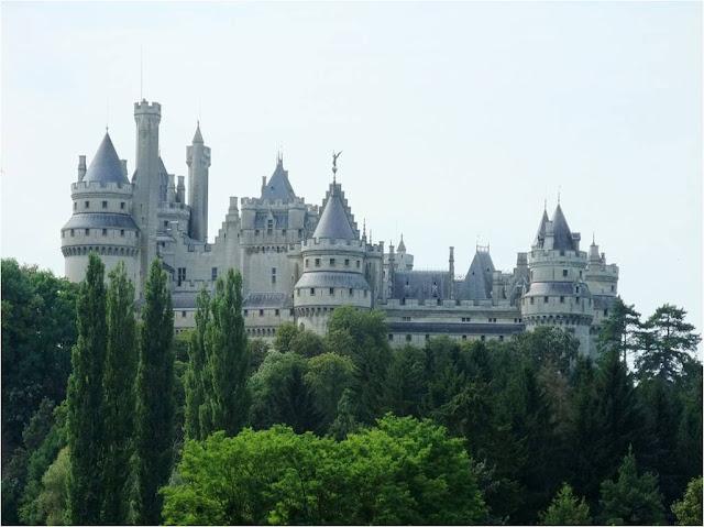 Burg Camelot