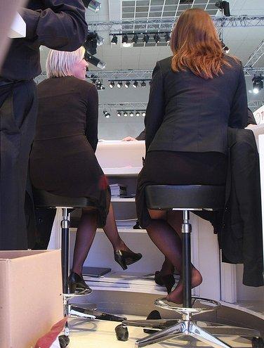 Nylon feet on desk