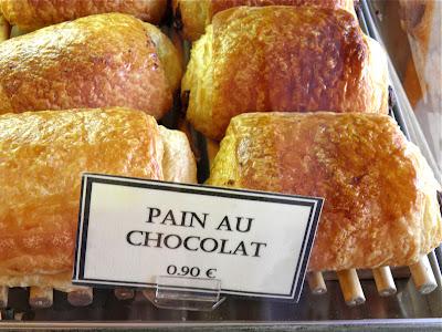 Pain au chocolat, 0,90 Euro