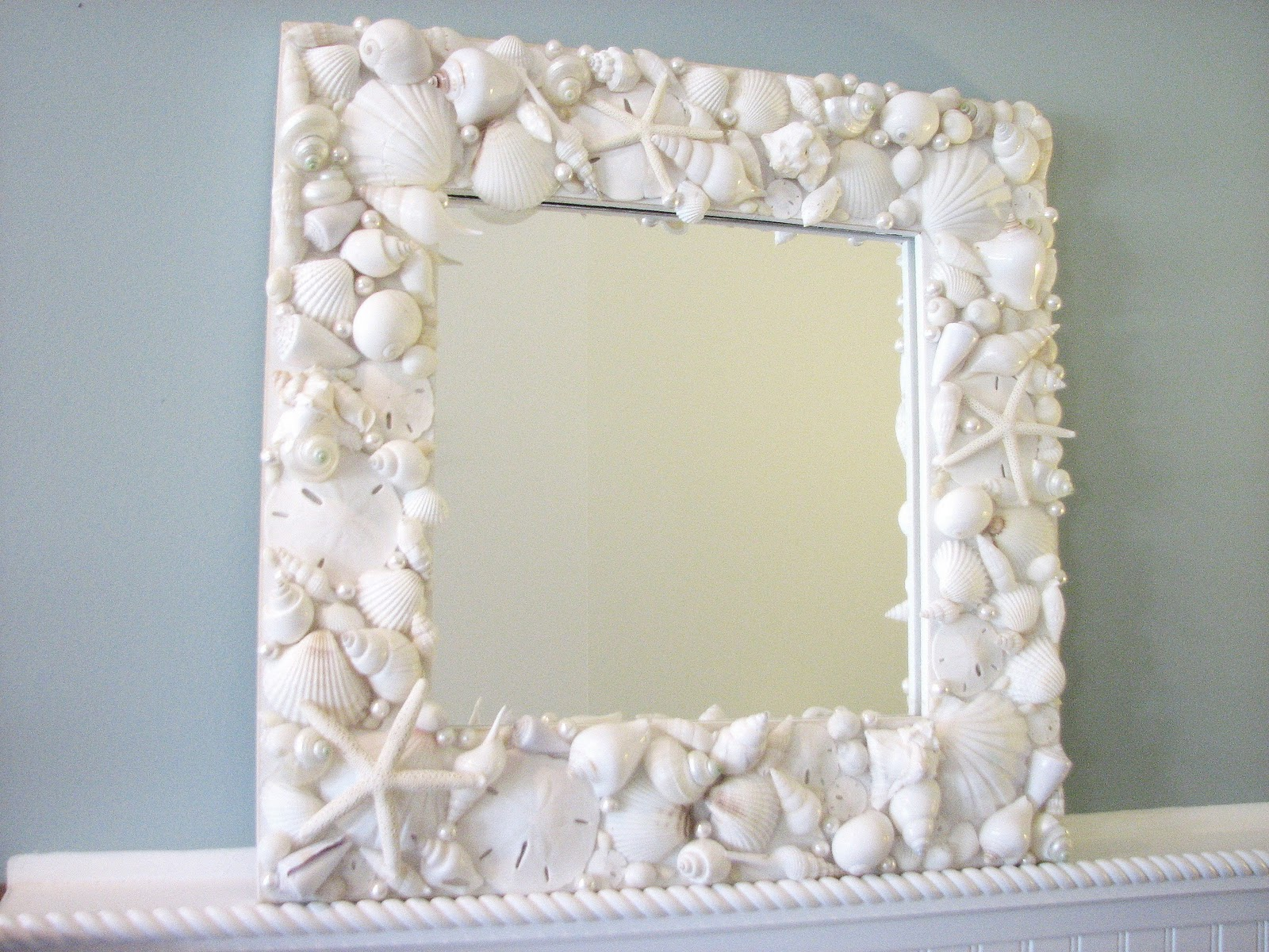"""beachstring: COOL CRAFT, """"Seashell Mirror/Picture Frame"""""""