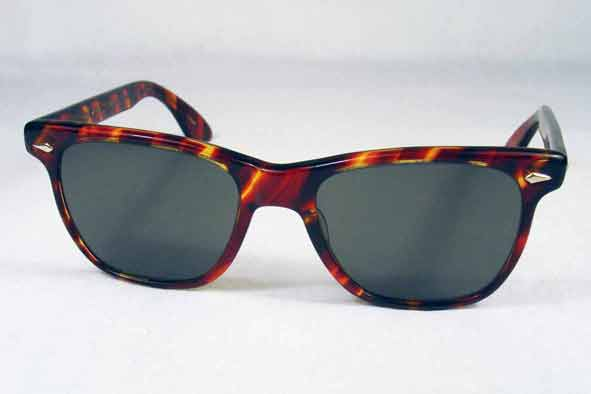 eb98b457d5bb0 ... life I think it is more accurate to site AO s Saratoga model as his  sunglasses of choice - in the iconic Wayfarer style